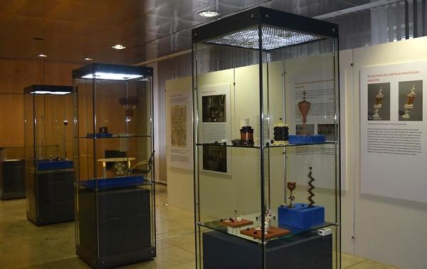 Blick in die Ausstellung im Kulturfoyer der Handwerkskammer Mittelfranken.