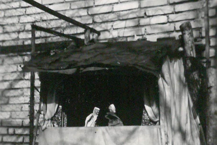 Helmut Leistners selbstgebautes Theater, um 1950. Bildnachweis: Helmut Leistner